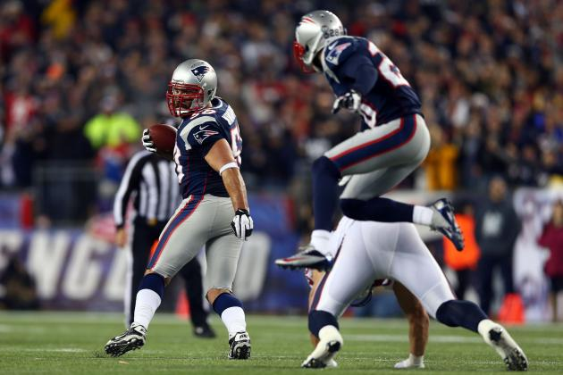 Pats DE Ninkovich Has Nose for Finding the Ball