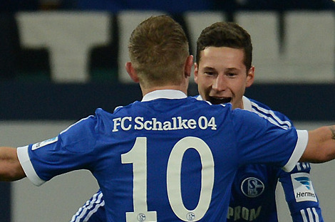 Schalke Survive Hannover with 5-4 Win