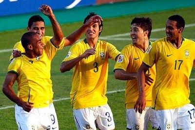 Uruguay & Venezuela Draw 2-2, Brazil Lose 2-0 to Peru