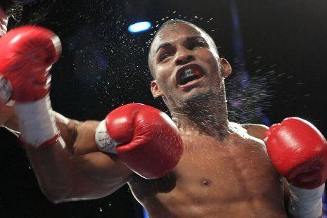 Jonathan Gonzalez Will Face Omar Salado