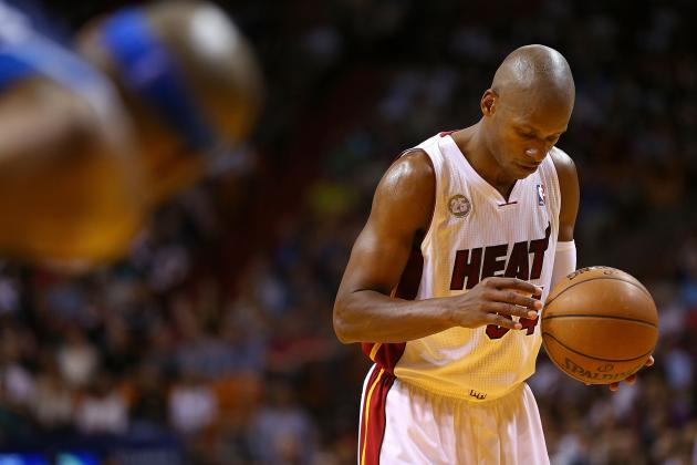 Miami Heat: Is Ray Allen Battling Ankle Injury Again?