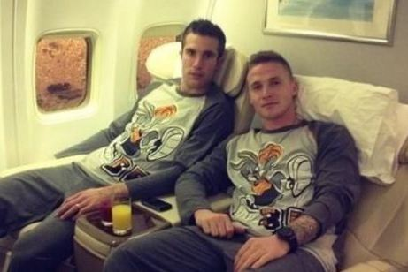 United Stars Wear Bugs Bunny Pjs on Team-Building Flight to Qatar