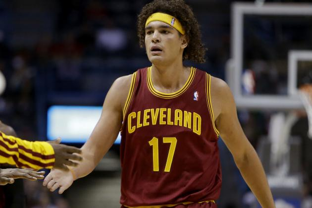 Debate: Should the Cavs Trade Varejao?