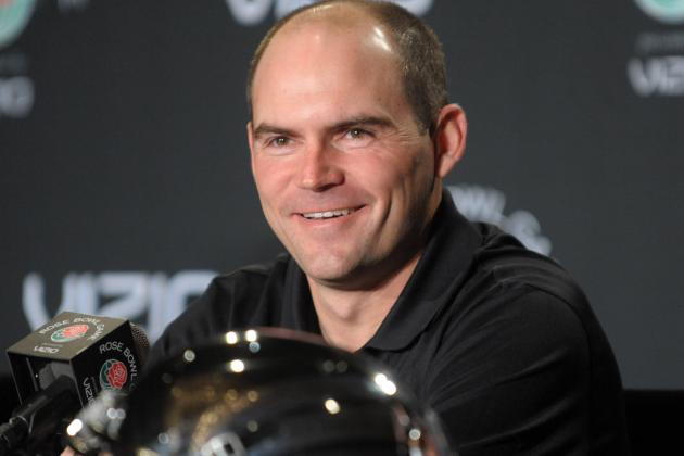 Oregon Players Greet New Head Coach, Mark Helfrich, with a Standing Ovation