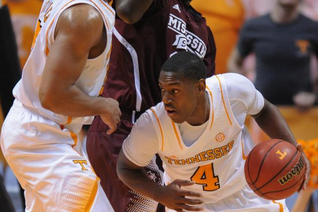 Vols Loosen Up, Pick Up First SEC Victory