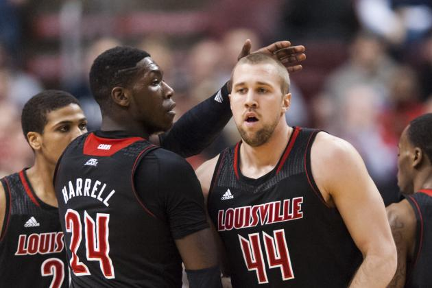 No. 5 Louisville Struggles with Fundamentals in Upset Loss to Villanova