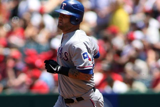 Mike Napoli Thanks Rangers Fans on Twitter