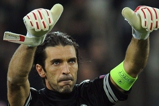 Buffon Extends Juventus Association to 2015