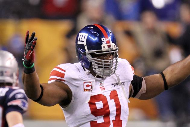 """New York Giants' Justin Tuck Says Te'o Situation Is """"Crazy, Crazy, Crazy"""""""