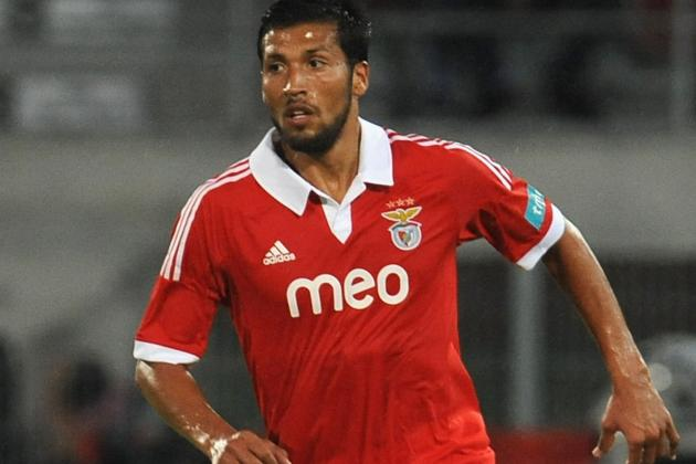 Garay Set for Manchester United