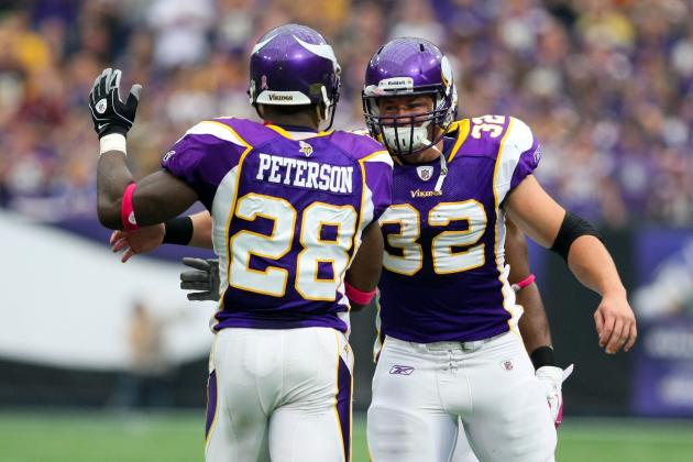 Vikings' Adrian Peterson Teaches Toby Gerhart 'The Little Things'