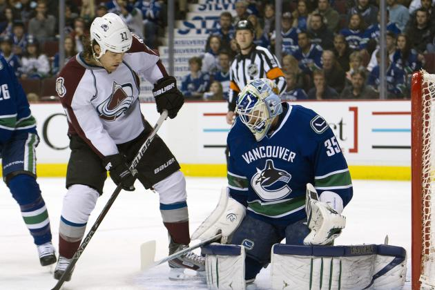 Avs' Steve Downie Out with Right Knee Injury, Awaiting Further Tests
