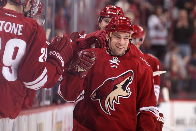 Sullivan's Hat Trick Powers Coyotes; Smith Hurt