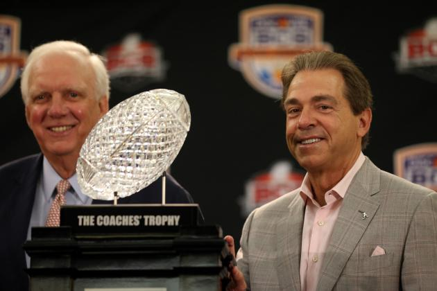 Nick Saban Named Bobby Bowden Coach of the Year for 3rd Time