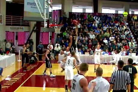 Aaron Gordon Goes Viral with One-Handed Alley-Oop Dunk