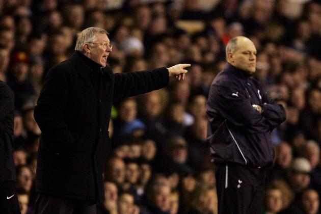 Fulham Boss Jol Backs Referee Clattenburg to Ignore Fergie Mind Games
