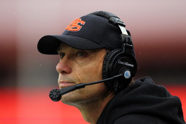 In Big-Pay Offseason, Oregon State's Mike Riley Takes Different Approach