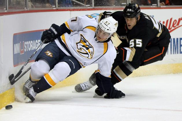 Fasth stops Preds in shootout, wins Ducks debut