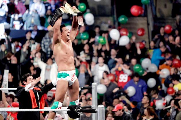 Alberto Del Rio Retains the World Championship at WWE Royal Rumble