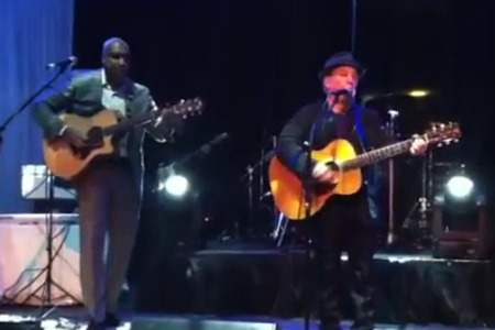Bernie Williams Plays with Paul Simon