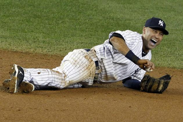 Derek Jeter on Field for First Time Since Breaking Ankle