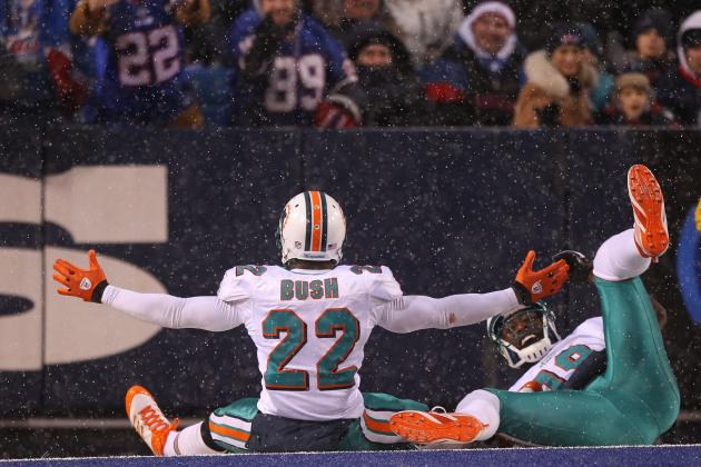 Miami Dolphins Would Be Fools to Not Bring Reggie Bush Back