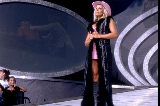 Trish Stratus Named 2013 WWE Hall of Fame Inductee