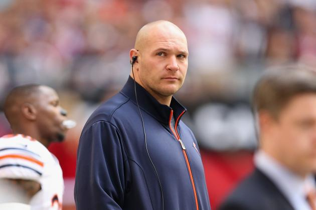 Urlacher Healthy, Hoping to Stay with Bears