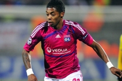Schalke Loan Bastos from Lyon