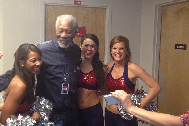 Morgan Freeman Posing with Ole Miss Cheerleaders Is Awesome (pic)