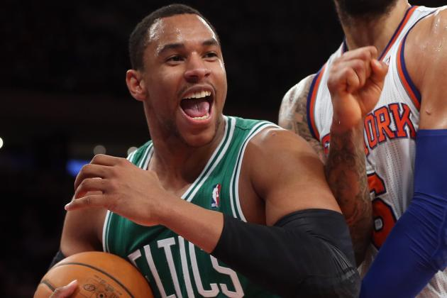 Celtics Rookie Sullinger Exits with Back Spasms