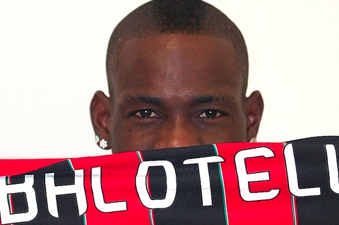 Balotelli Still Hopes City Can Top Man Utd