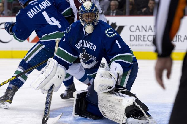 Luongo Shuts out Avalanche in 3-0 Win