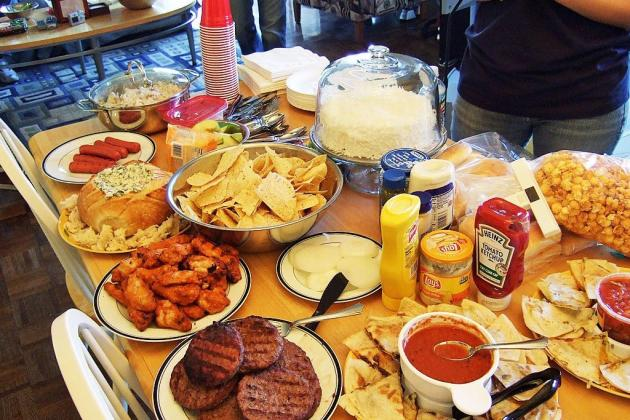 Super Bowl Parties: Foods That Must Be on Everyone's Menu