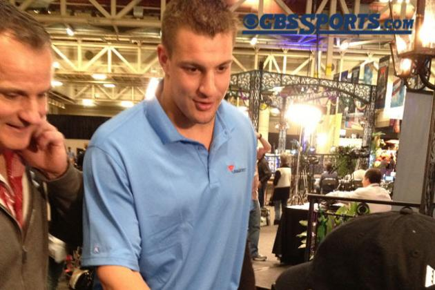 Rob Gronkowski Pays Kid $100 for Lemonade at Super Bowl