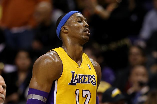 Dwight Howard's Shoulder Injury Will Only Become Bigger Problem for LA Lakers