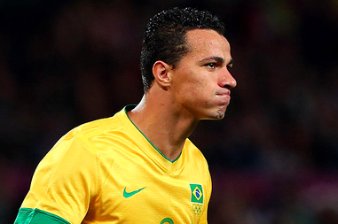 Spurs Have a Bid Rejected by Internacional as They Look to Sign Leandro Damiao