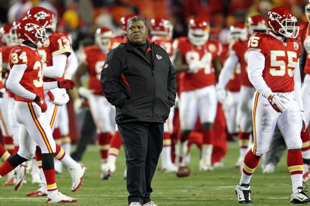 Chiefs Defense Has a Hard Task in Moving Forward Without Romeo Crennel