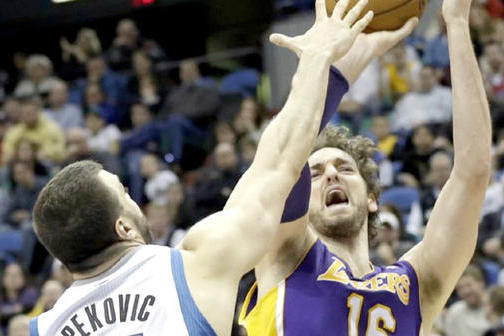 Productive Game a Good Start for Pau Gasol
