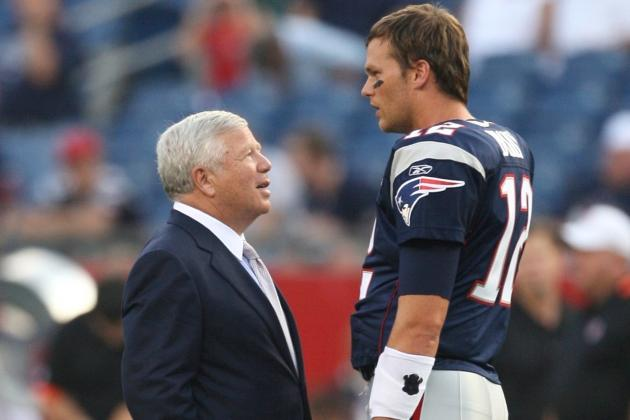 "Kraft Describes Brady's Future as a ""Dual Decision"""