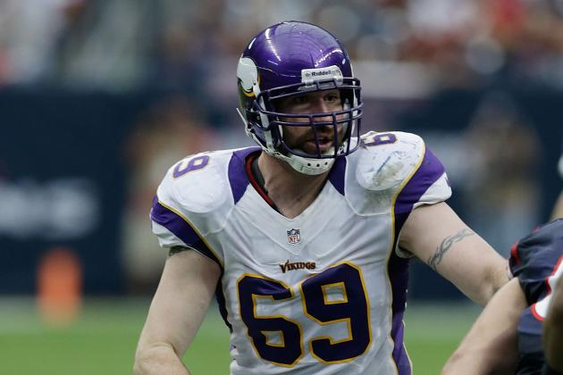 Vikings' Jared Allen Has Shoulder Surgery, Should Be Ready for Camp
