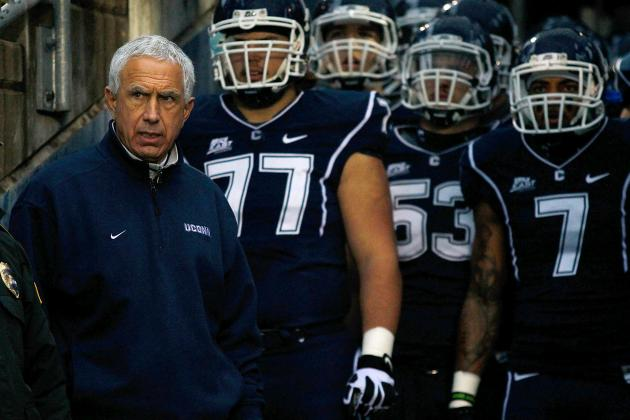 UConn Football Team Gets Solid Marks from Recruiting Analysts