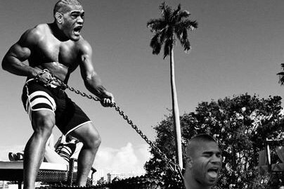 UFC 156 Results: 'Bigfoot' Silva Mocks Overeem with Post-Fight Twitter Pic