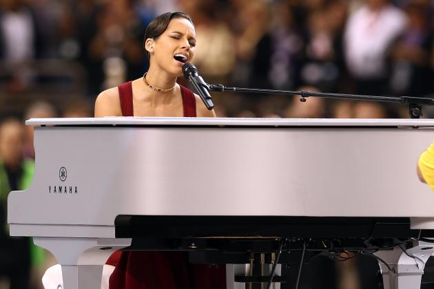 Super Bowl National Anthem 2013: Twitter Reaction to Alicia Keys' Performance