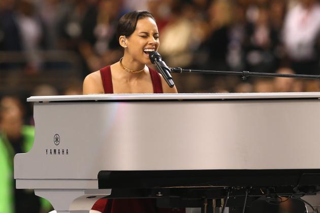 Alicia Keys' Super Bowl National Anthem Was Long but Perfectly Delivered