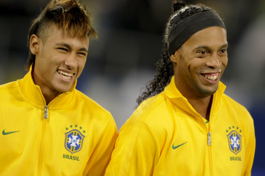 Ronaldinho Backs Fellow Brazil Star Neymar to Eclipse Lionel Messi