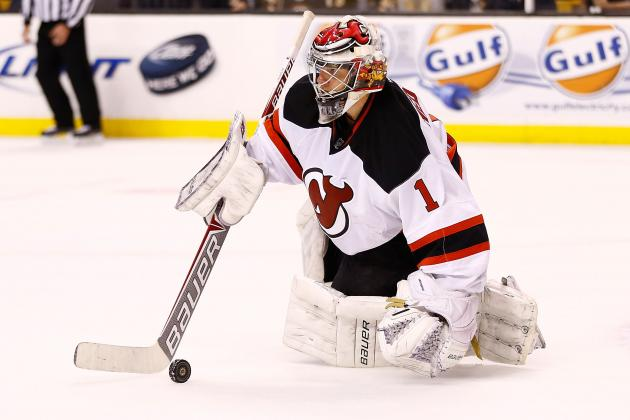 Hedberg Shuts out Islanders as Devils Roll