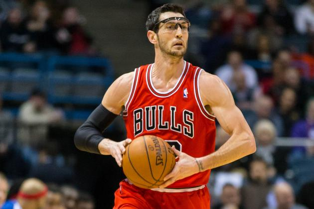 Kirk Hinrich Out for About a Week with Bad Elbow