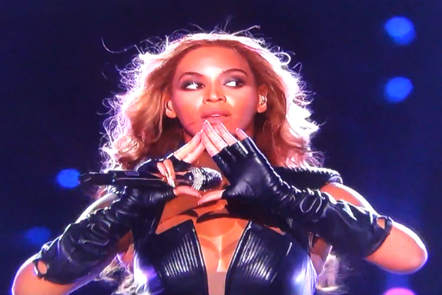 Did Beyonce Flash Illuminati Sign or Pay Respect to Jay-Z?