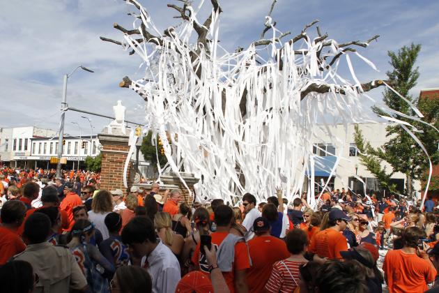 Auburn Fans Getting One Last Chance to Say Goodbye to Toomer's Corner Oaks